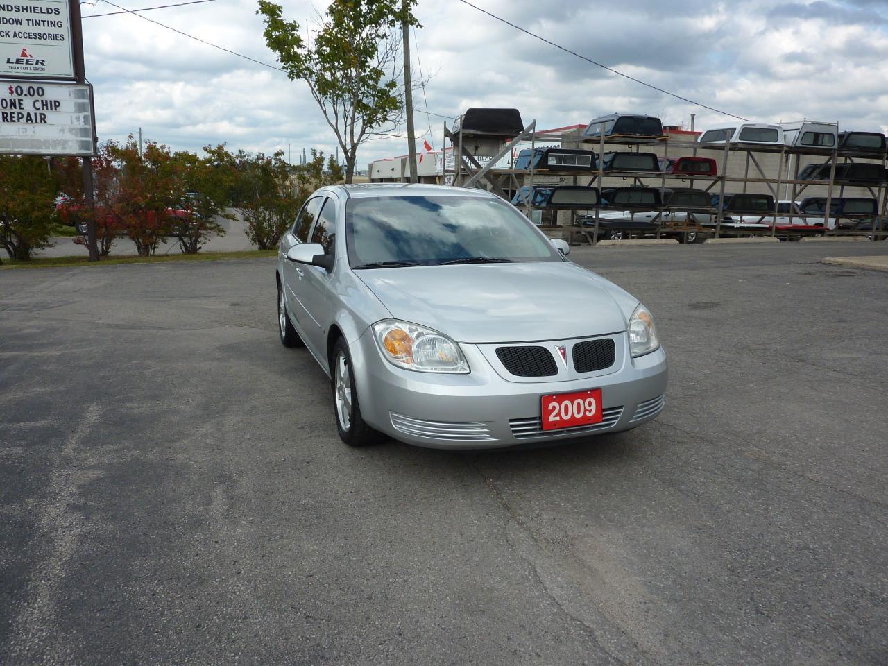 Photo of Silver 2009 Pontiac G5