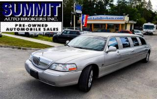 Used 2005 Lincoln Town Car Executive Package | CAR-PROOF CLEAN | 11 PASSENGER for sale in Richmond Hill, ON