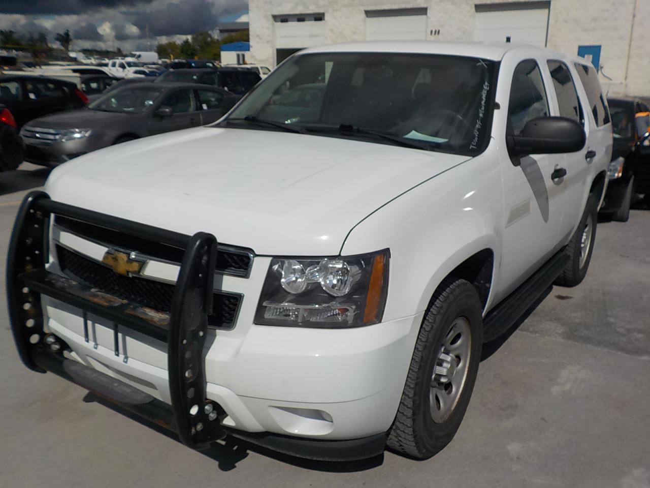 Photo of White 2008 Chevrolet Tahoe