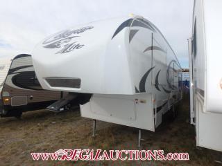 Used 2012 KEYSTONE COUGAR X-LITE28SGS  FIFTH WHEEL for sale in Calgary, AB