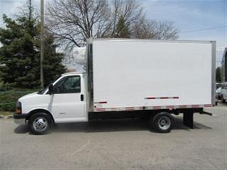Used 2014 GMC Savana 4500 Cube Van Gas 14 ft refrigerated box for sale in Richmond Hill, ON