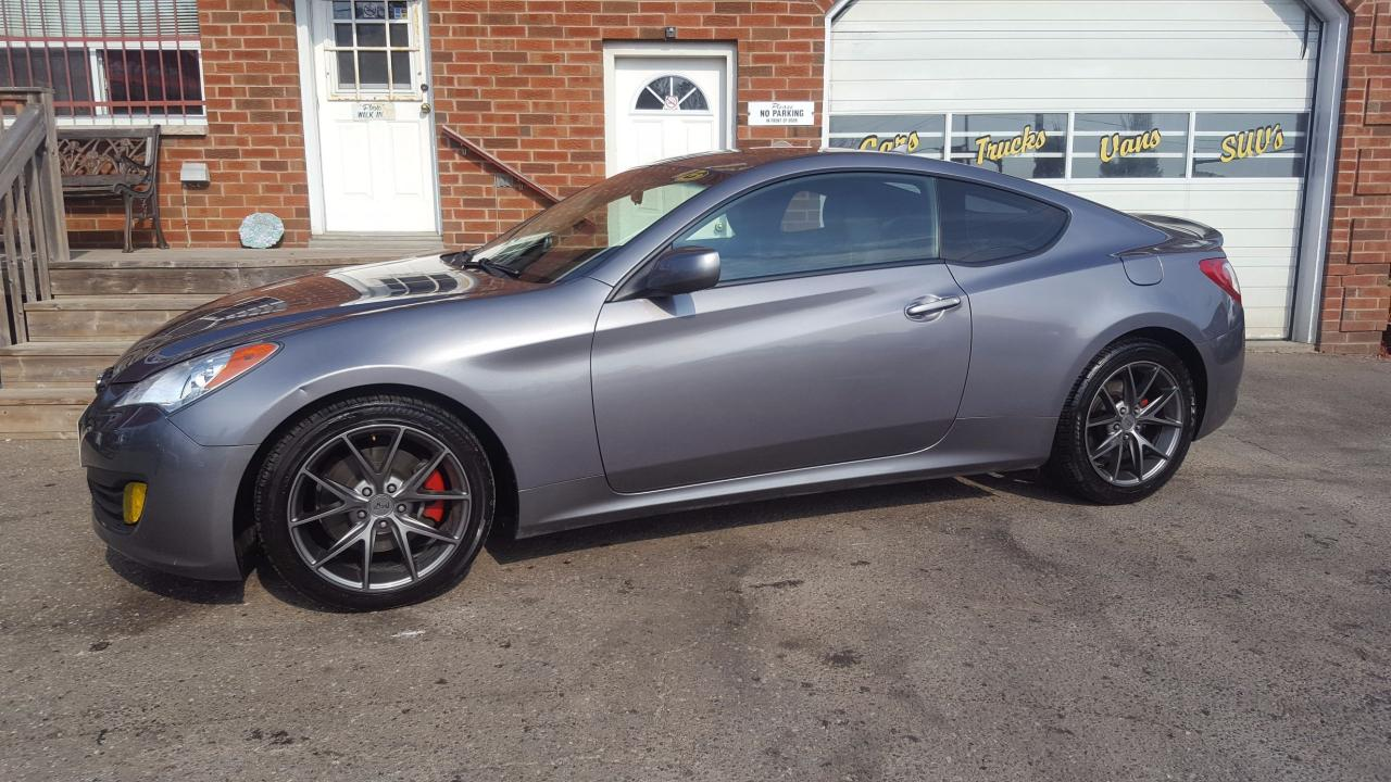 used 2010 hyundai genesis coupe 2 0 turbo for sale in bowmanville ontario. Black Bedroom Furniture Sets. Home Design Ideas
