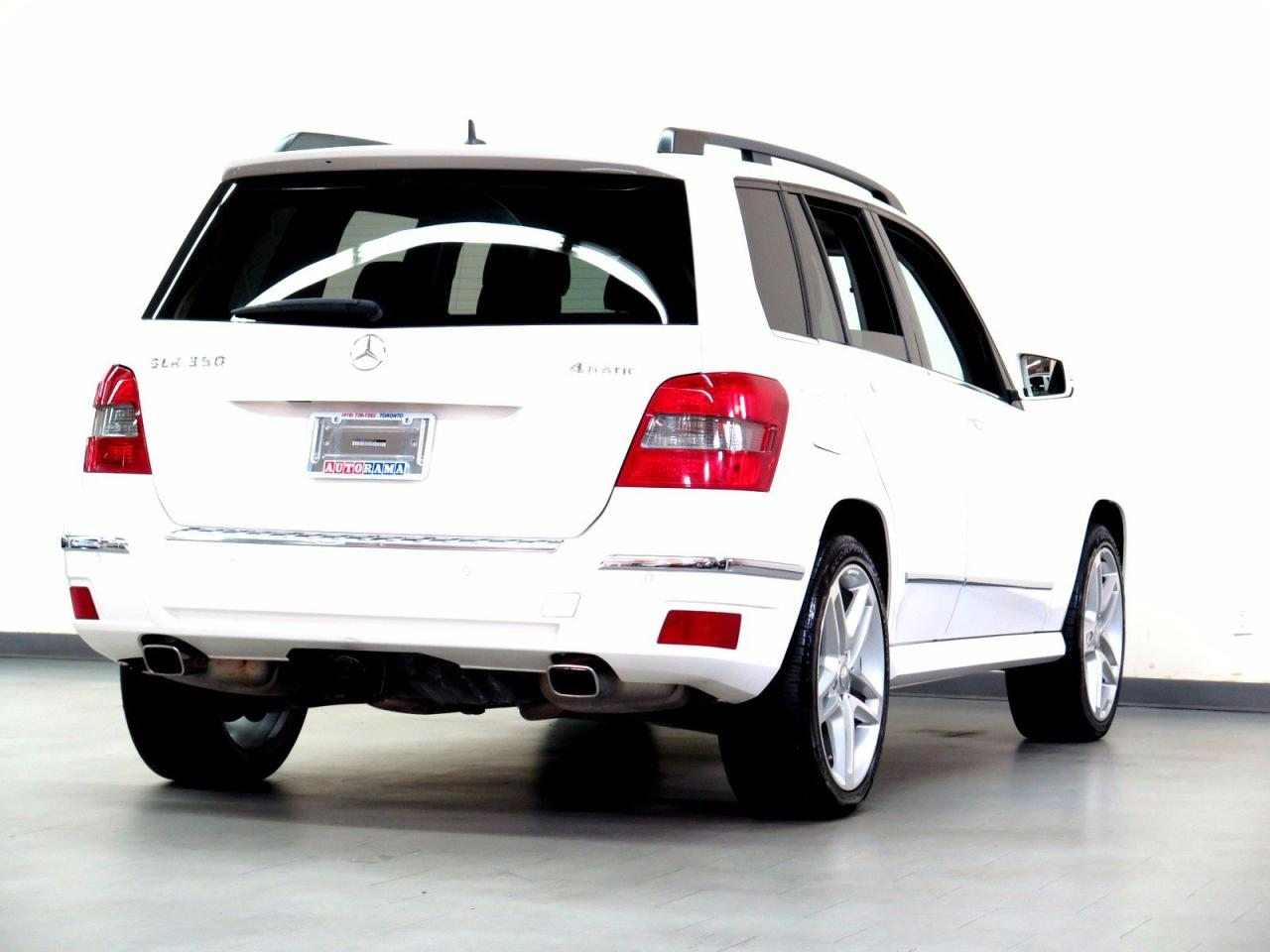 used 2010 mercedes benz glk350 leather panoramic sunroof 4wd for sale in north york ontario. Black Bedroom Furniture Sets. Home Design Ideas