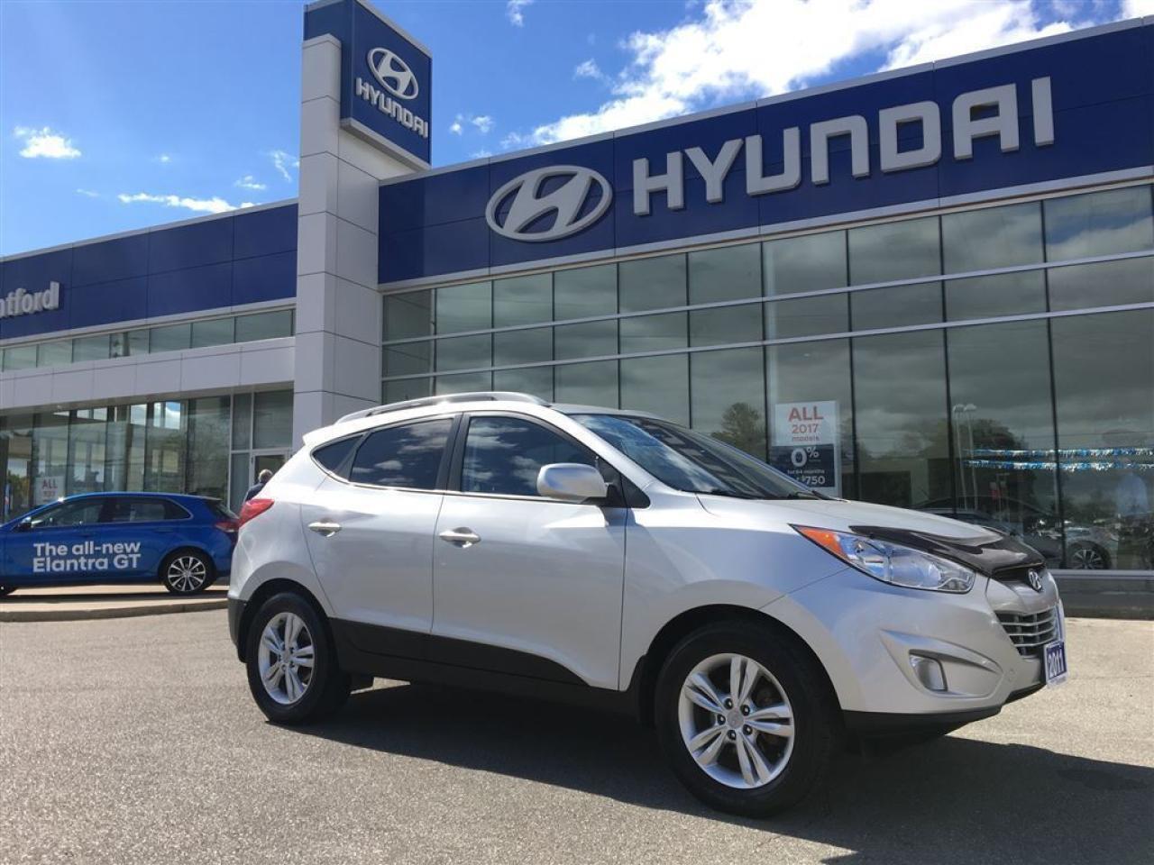 2011 Hyundai Tucson GLS - Sunroof -  Bluetooth