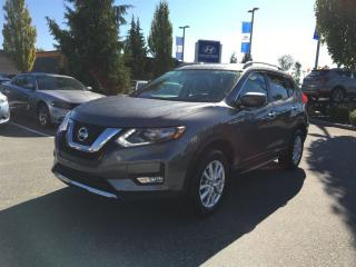 Used 2017 Nissan Rogue SV/No Accident/Sunroof/Remote Start for sale in Port Coquitlam, BC