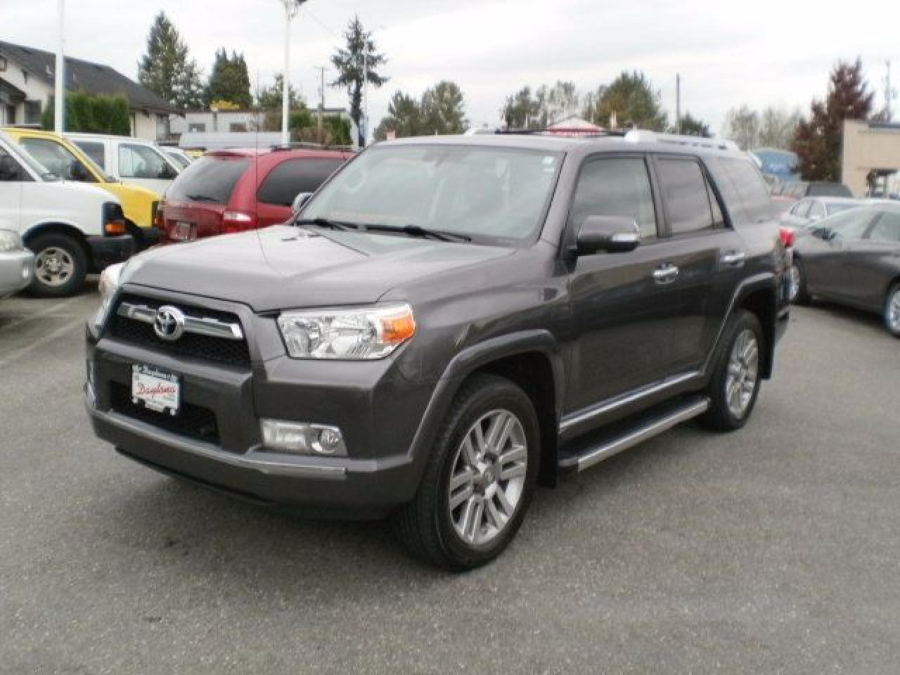 2012 Toyota 4Runner SR5, leather, navigation, sunroof,