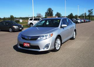 Used 2014 Toyota Camry XLE for sale in Renfrew, ON