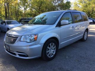 Used 2012 Chrysler TOWN AND COUNTRY TOURING-L * LEATHER * NAV * REAR CAM * SUNROOF * BLUETOOTH * 7 PASS for sale in London, ON