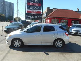 Used 2009 Toyota Matrix 5spd for sale in Scarborough, ON