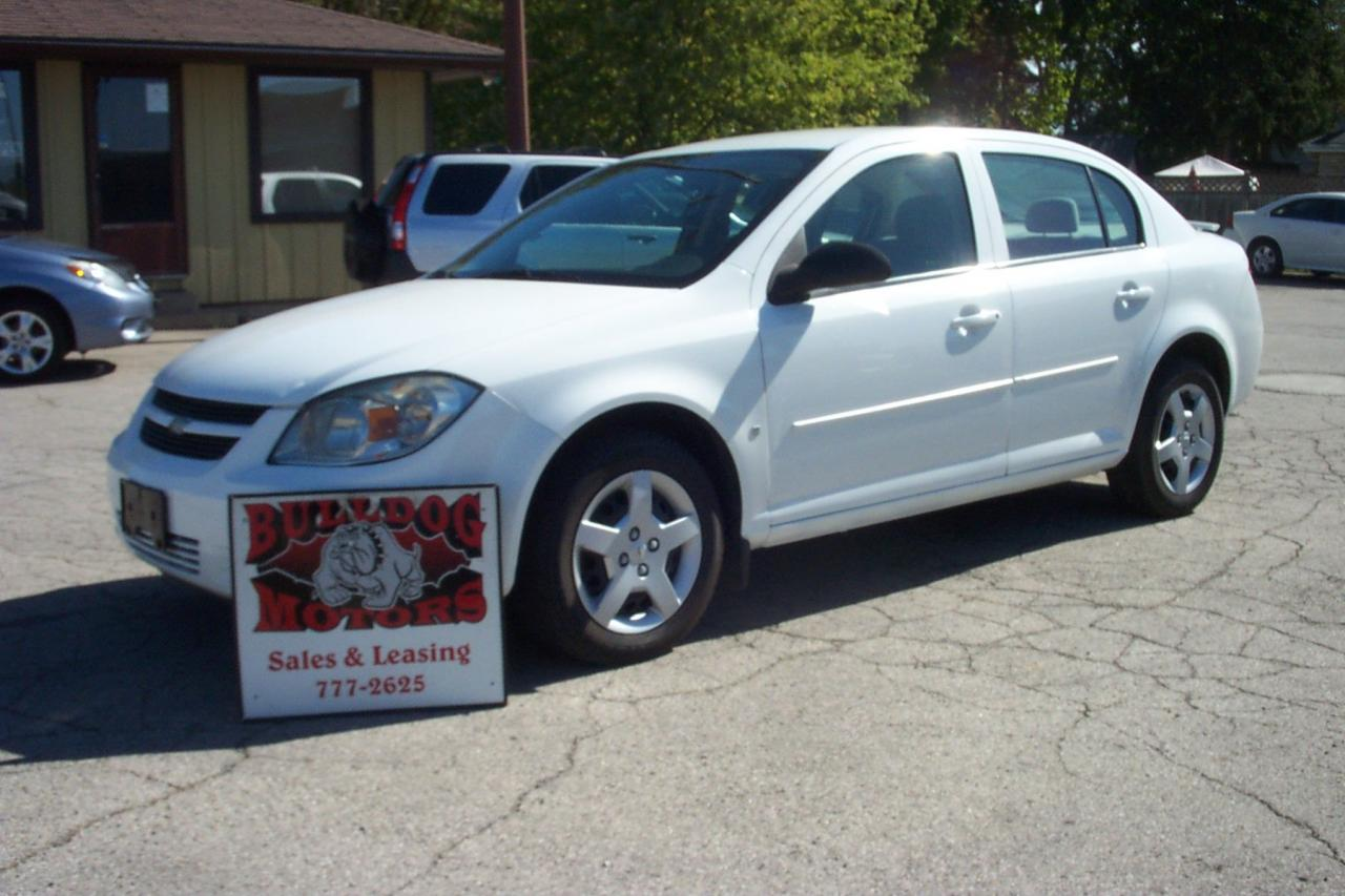 Photo of White 2008 Chevrolet Cobalt