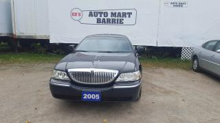 Used 2005 Lincoln Town Car Signature L for sale in Barrie, ON