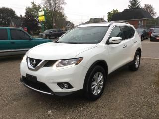 Used 2016 Nissan Rogue SV  AWD.  PAN. ROOF for sale in Belmont, ON