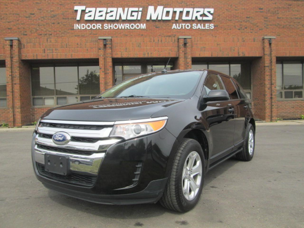Photo of Black 2014 Ford Edge