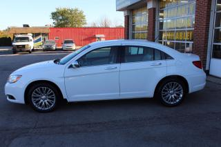 Used 2013 Chrysler 200 Limited NAVI Leather for sale in Oakville, ON
