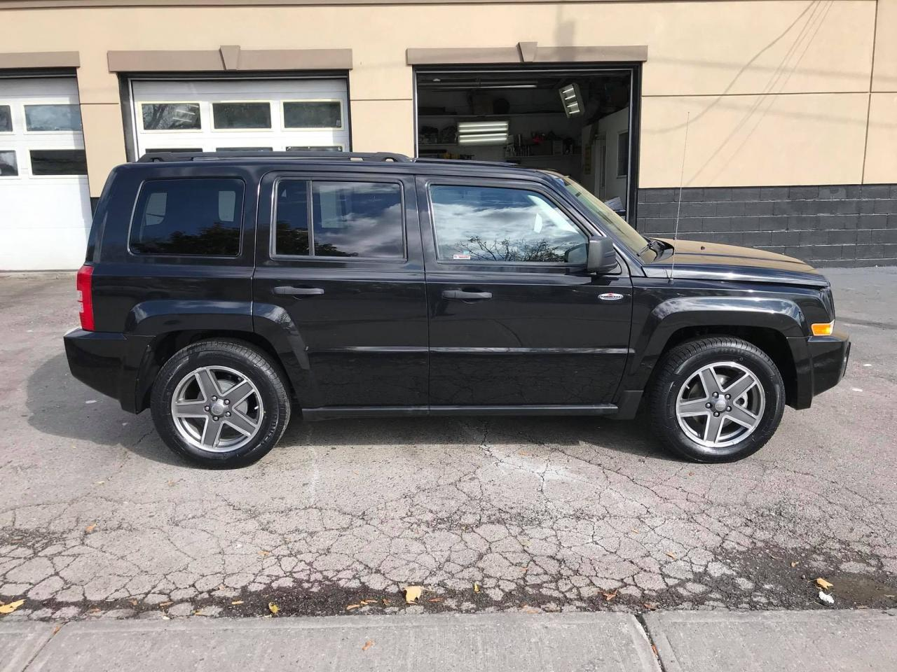 used 2009 jeep patriot north edition one owner no accidents for sale in mississauga ontario. Black Bedroom Furniture Sets. Home Design Ideas