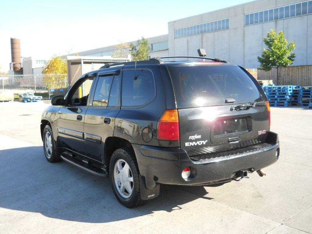 used 2002 gmc envoy 4x4 automatic 4 door warranty available for sale in north york ontario. Black Bedroom Furniture Sets. Home Design Ideas