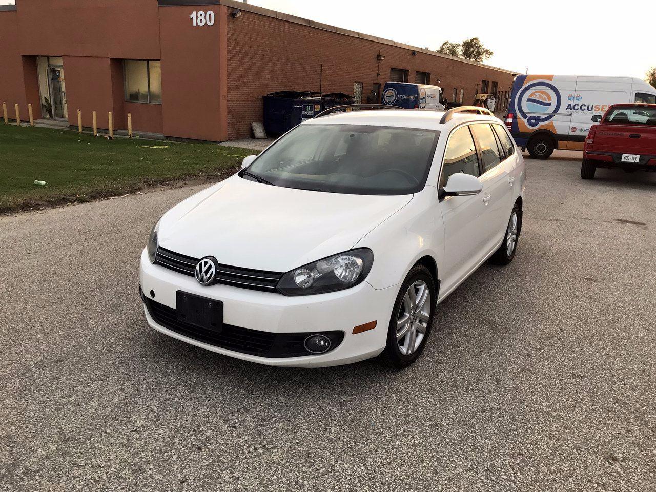 Photo of White 2011 Volkswagen Golf Wagon