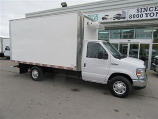 Used 2012 Ford E350 SRW gas 12 ft refridgerated cube van for sale in Richmond Hill, ON