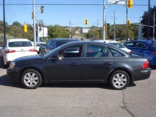 Used 2007 Ford Five Hundred SEL AWD *SUNROOF* for sale in Kitchener, ON
