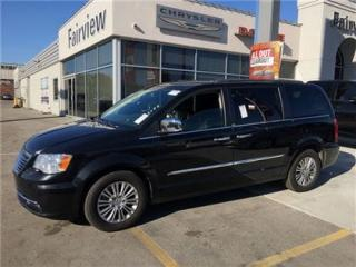 Used 2013 Chrysler Town & Country Touring..Leather/Navi for sale in Burlington, ON
