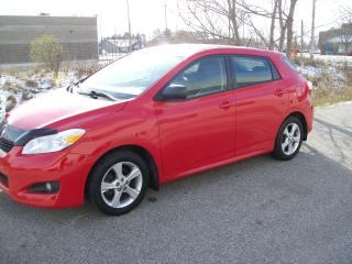 Used 2012 Toyota Matrix cloth for sale in Guelph, ON