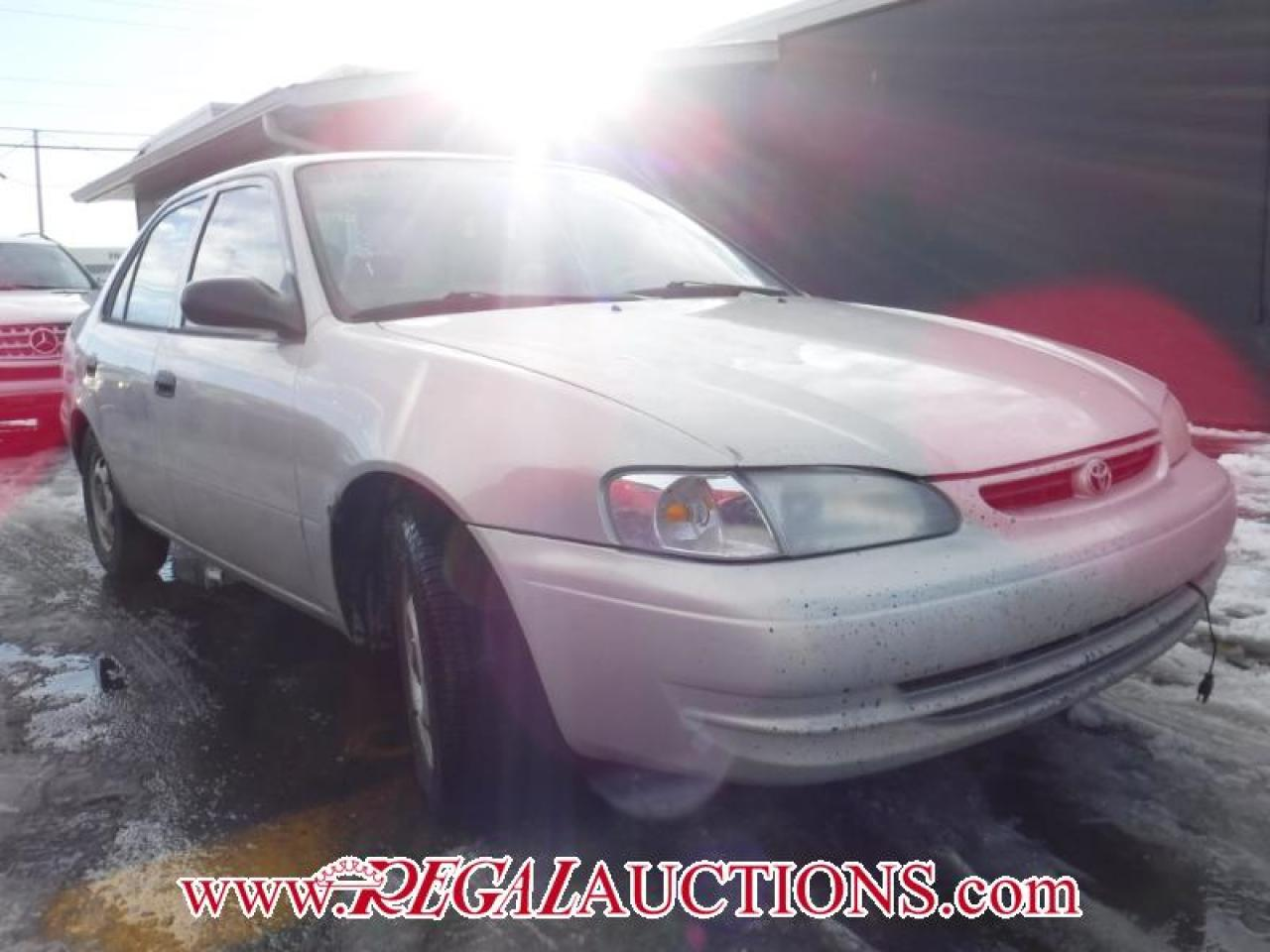 Photo of Silver 1999 Toyota Corolla