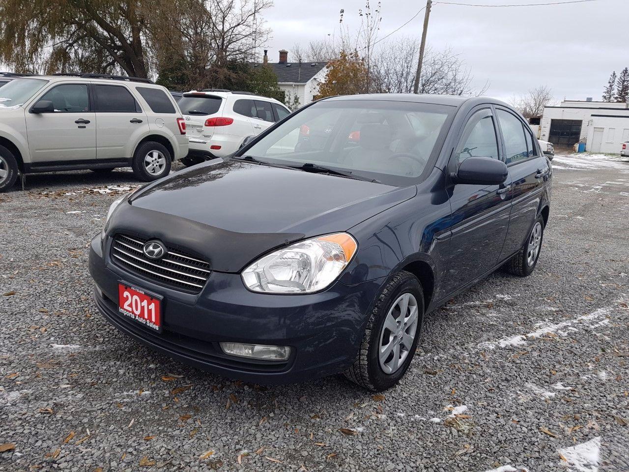 Photo of Grey 2011 Hyundai Accent