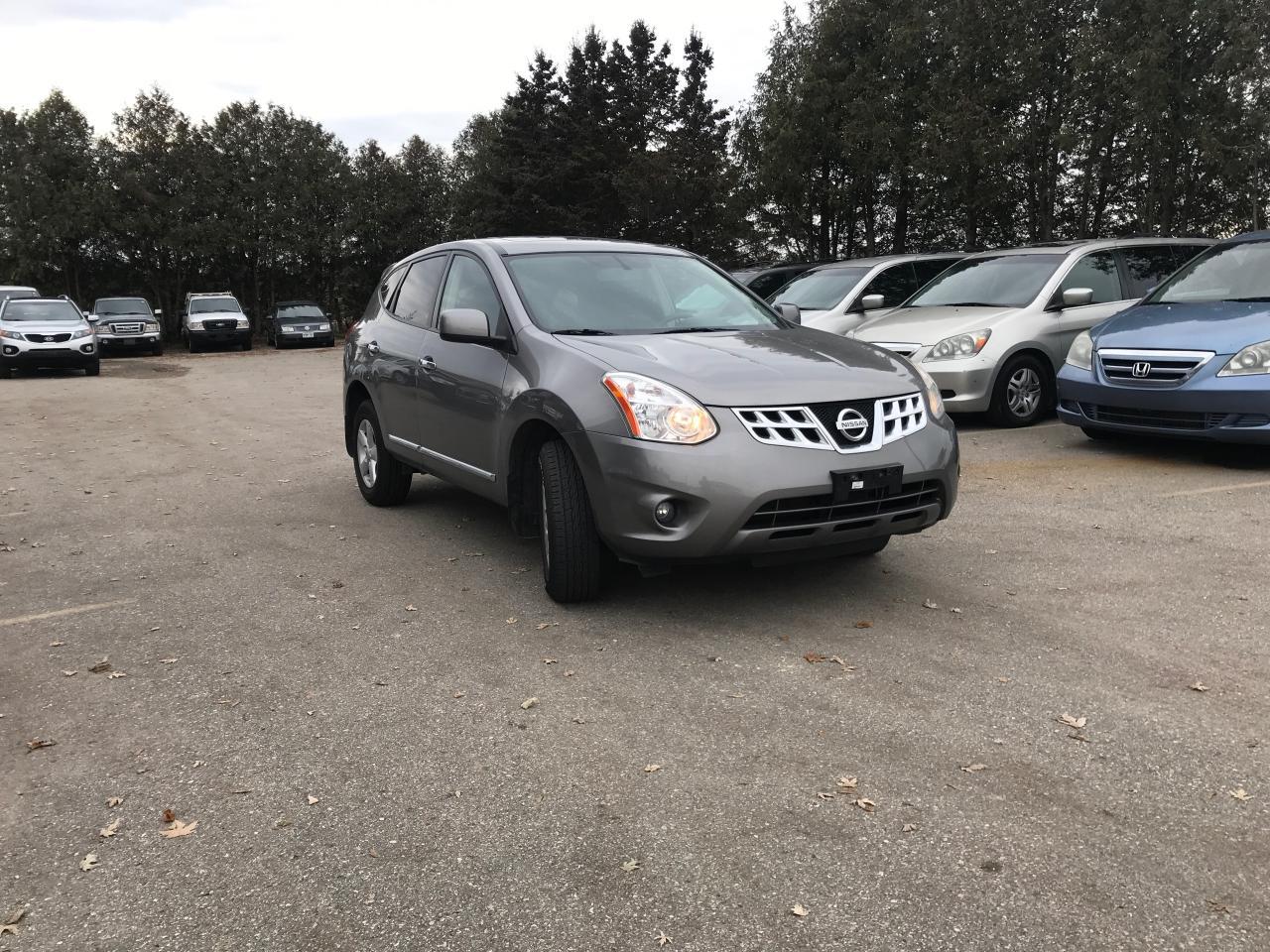 Photo of Gray 2013 Nissan Rogue