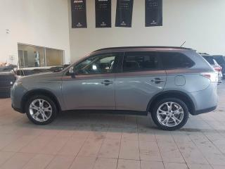 Used 2015 Mitsubishi Outlander SE - 4X4, B/U Cam, Sunroof, Heated Seats, Bluetooth and Media Inputs! for sale in Red Deer, AB