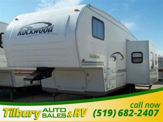 Used 2004 Forest River ROCKWOOD 8285 SS FIFTH-WHEEL for sale in Tilbury, ON