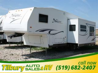 Used 2006 Forest River Palomino 829RL for sale in Tilbury, ON