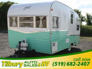 Used 2015 Forest River Shasta Air Flyte SAT 16 TRAVEL-TRAILER for sale in Tilbury, ON