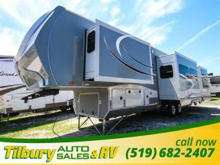 Used 2016 Highland Ridge RV ROAMER 367 BHS FIFTH-WHEEL OUTDOOR KITCHEN. BUNK HOUSE. for sale in Tilbury, ON