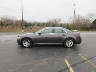 Used 2015 Chrysler 300 LIMITED RWD for sale in Cayuga, ON