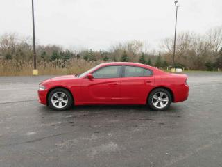 Used 2015 Dodge Charger SXT RWD for sale in Cayuga, ON