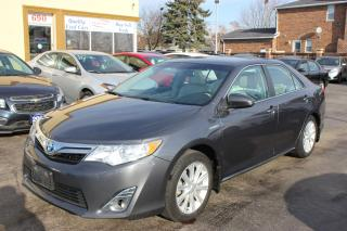 Used 2013 Toyota Camry XLE Hybrid Leather Sunroof Nav for sale in Brampton, ON