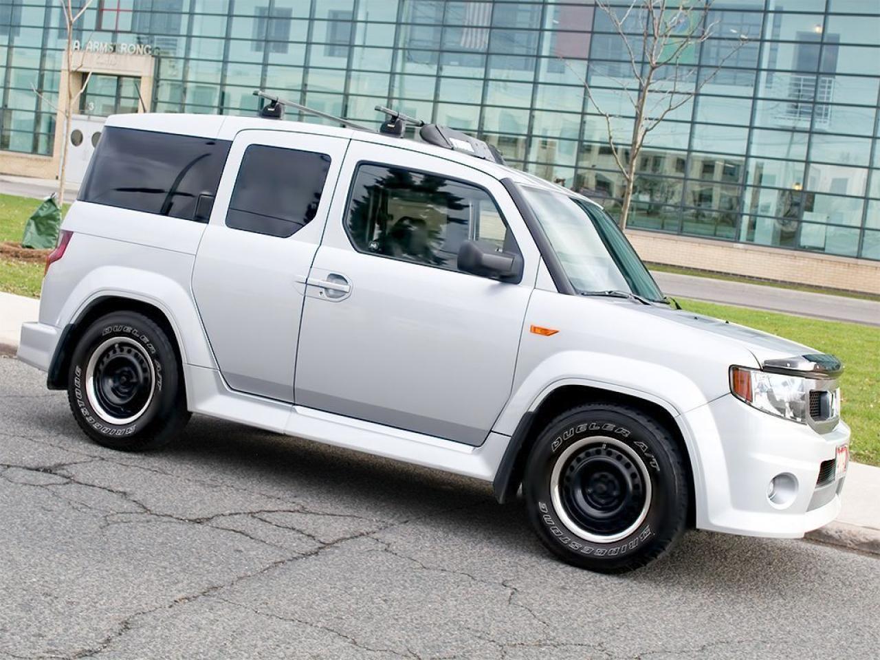 Photo of Silver 2009 Honda Element