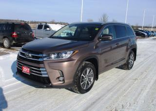 Used 2017 Toyota Highlander XLE for sale in Renfrew, ON