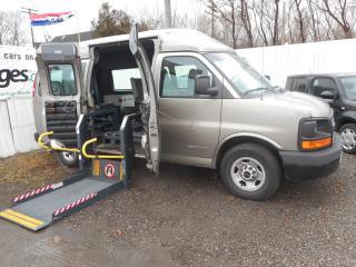 Used 2003 GMC Savana 2500 Wheel Chair Van for sale in Brantford, ON