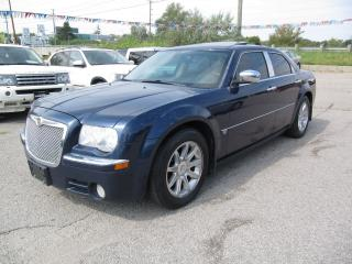 Used 2006 Chrysler 300 C HEMI Limited Hemi 5.7 Nav , Backup Camers < remote Star for sale in Newmarket, ON