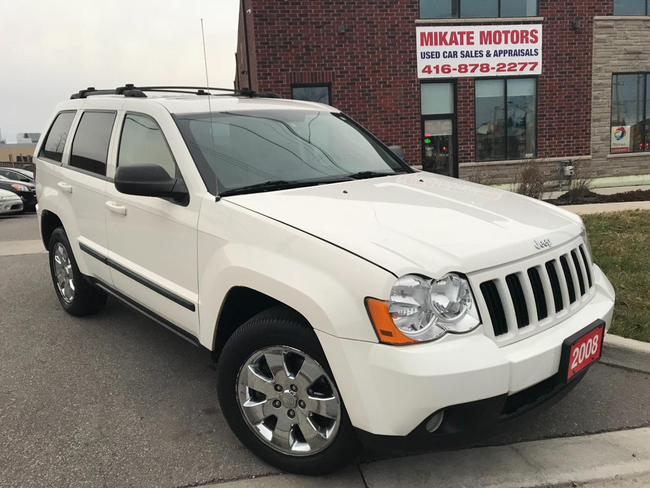 Photo of White 2008 Jeep Grand Cherokee