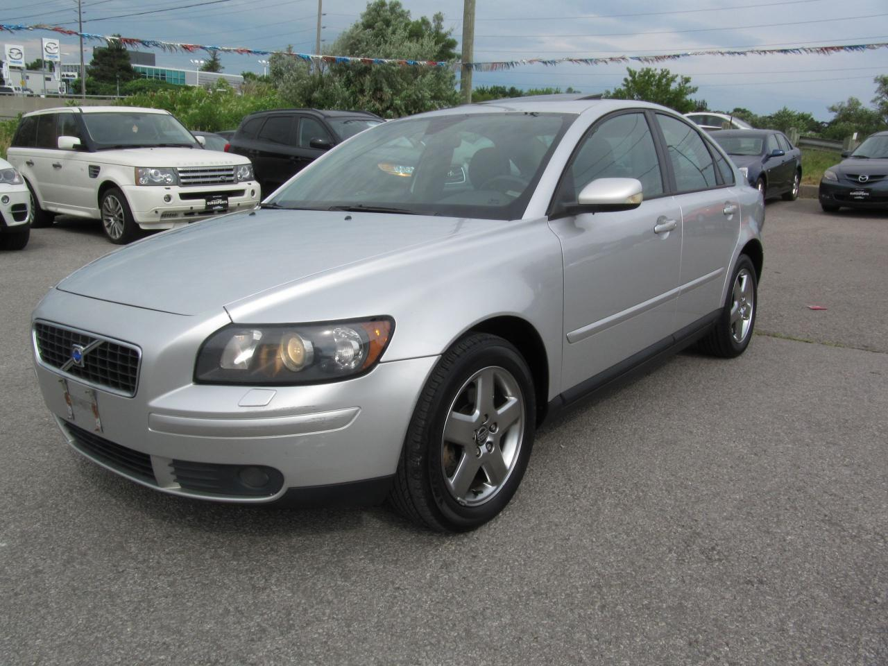 used 2005 volvo s40 t5 auto turbo awd for sale in newmarket ontario. Black Bedroom Furniture Sets. Home Design Ideas