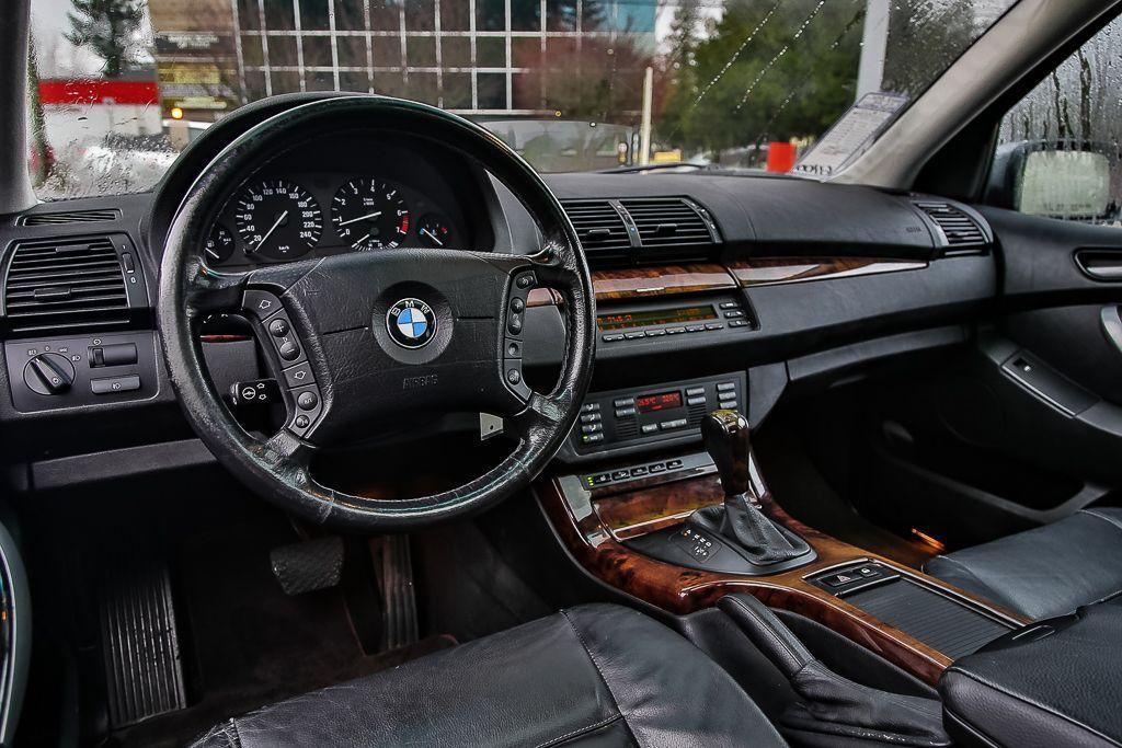 used 2004 bmw x5 very clean sunroof leather heated seats for sale in surrey british. Black Bedroom Furniture Sets. Home Design Ideas