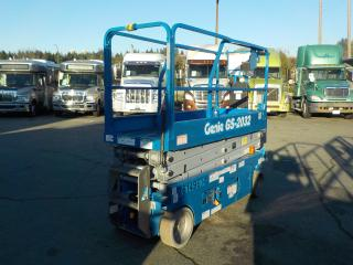 Used 2012 GENIE GS-2032 Scissor Lift Electric for sale in Burnaby, BC