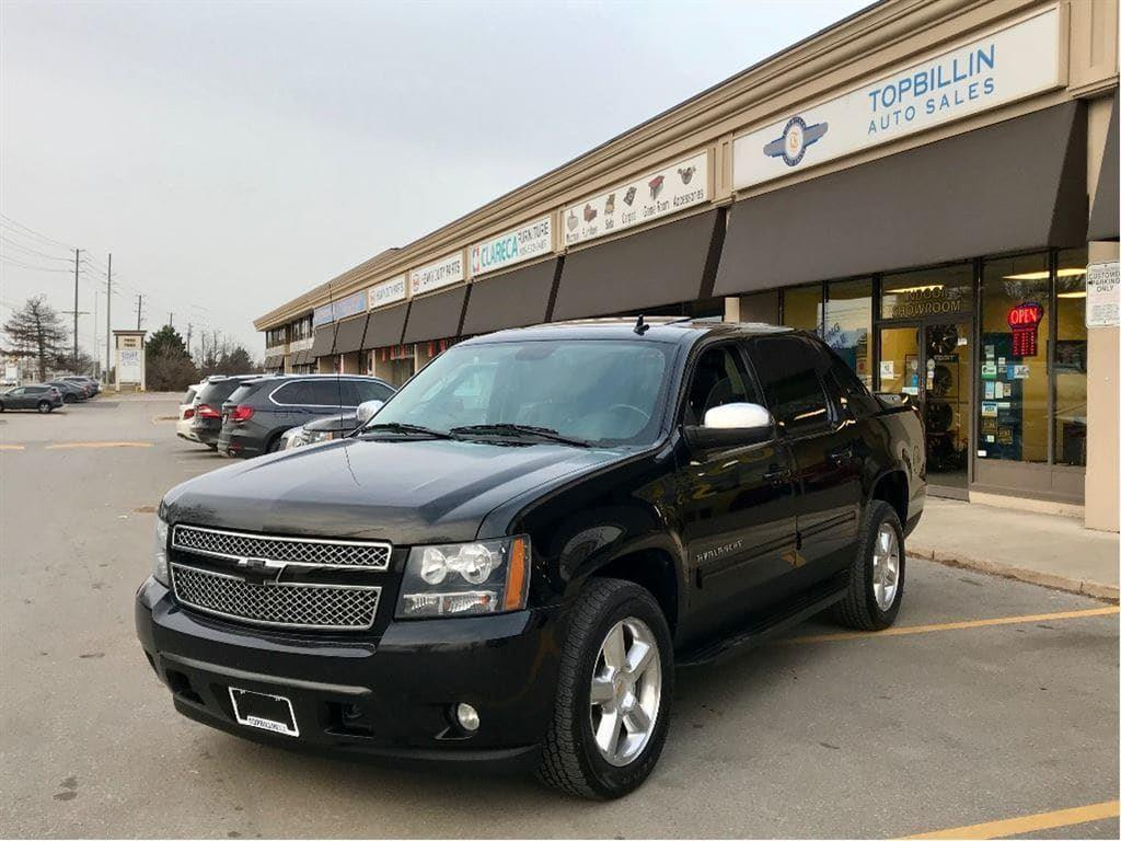 used 2011 chevrolet avalanche 1500 leather sunroof 2. Black Bedroom Furniture Sets. Home Design Ideas