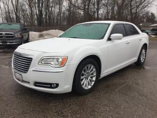 Used 2013 Chrysler 300 RWD * LEATHER * BLUETOOTH * SAT RADIO SYSTEM * HEATED SEAT for sale in London, ON