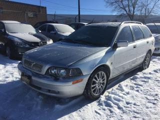 Used 2004 Volvo V40 LEATHER for sale in Newmarket, ON