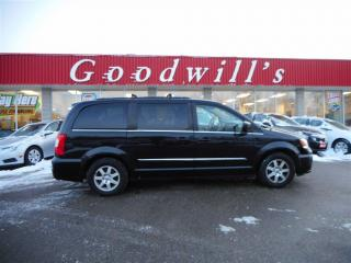 Used 2012 Chrysler Town & Country TOURING! NAVIGATION! BLUETOOTH! BACKUP CAM! for sale in Aylmer, ON