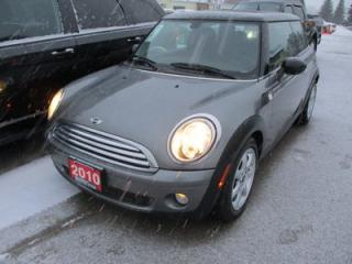 Used 2010 MINI Cooper POWER EQUIPPED 'SPORTY' 4 PASSENGER 1.6L - DOHC.. LEATHER.. HEATED SEATS.. DUAL SUNROOF.. KEYLESS ENTRY.. for sale in Bradford, ON