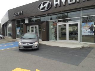 Used 2011 Hyundai Elantra Touring L familiale man. 4 portes for sale in Quebec, QC